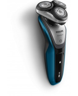 Philips Shaver series 5000 AquaTouh Wet and dry electric shaver S5420/06